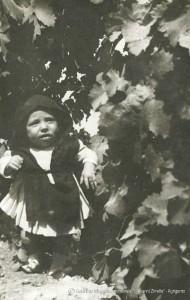 21-Bambino-vestito-da-San-Calogero-in-segno-votivo