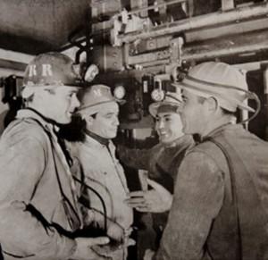5 Operai nella miniera