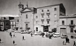 4 Piazza garibaldi negli anni Settanta