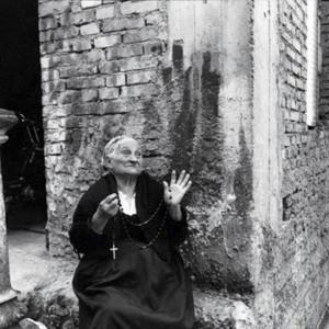 6-RIGGIO-foto_Rijesana-in-preghiere-con-il-rosario